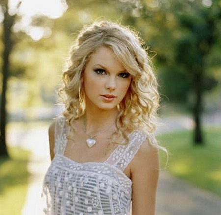 Taylor Swift .
